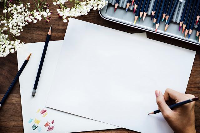 bright-business-color-pencils-910331.jpg