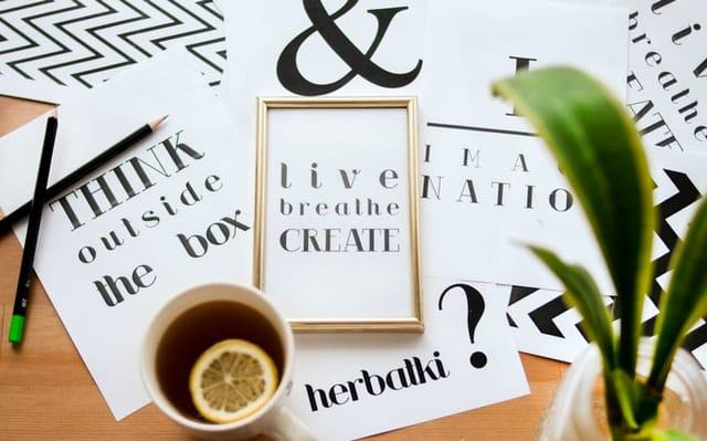 Jenis Desainer Grafis : Typography Designer